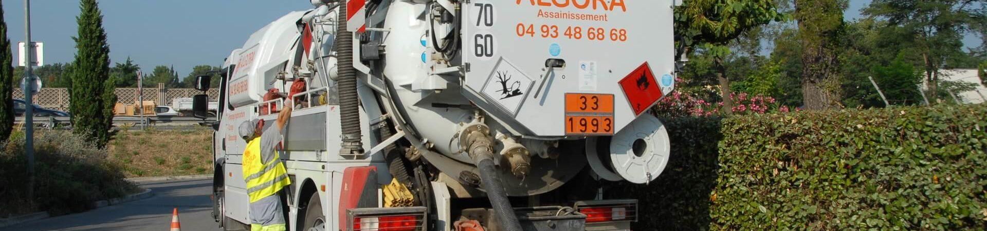 Travaux pétroliers pompage de cuves d'hydrocarbures