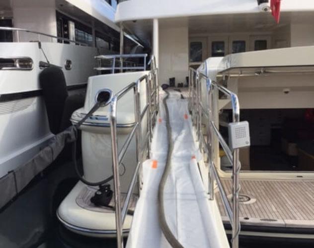 travaux_petrolier_yachting_pompage_tank_eaux_noires